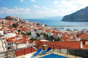Udsigten fra Hotel Denise ud over Skopelos by