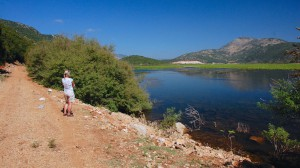 På vandretur ved Kalodikiou søen