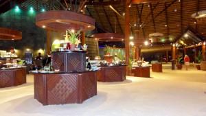 Buffet i Bonthi restauranten (sand på gulvet)