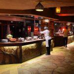 (En del af) den fantastiske buffet på Sarova Mara