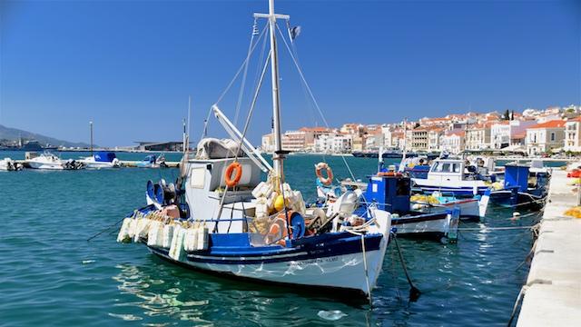 Fiskerbåde i havnen i Vathi/Samos